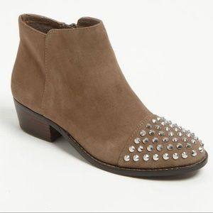 Steve Madden Praque Suede Studded Boots Size 9